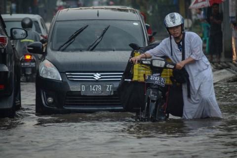 Banjir Genangi Sejumlah Wilayah di Kota Bandung