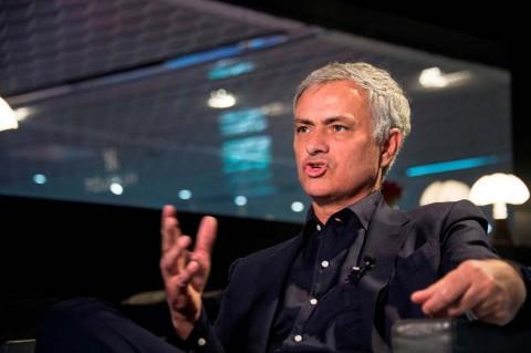 Kritik Pedas Mourinho atas Kegagalan Ajax