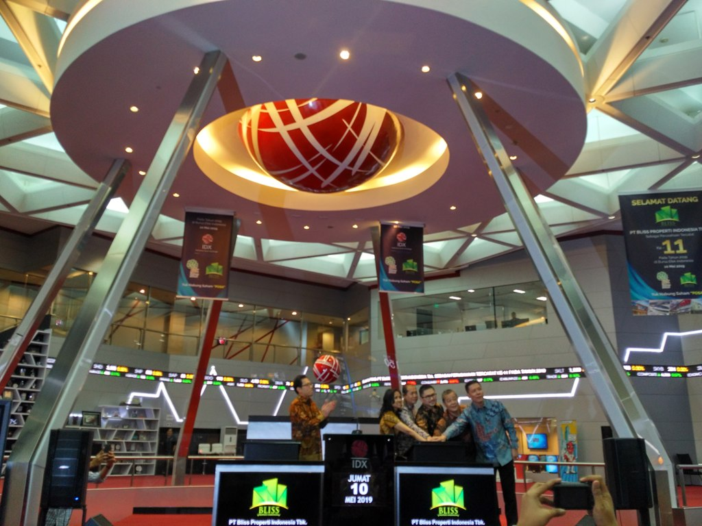 Listing Perdana, Saham POSA Melesat 69,33
