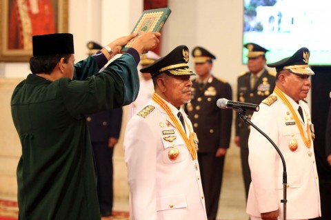 Jokowi Lantik Abdul Gani Kasuba jadi Gubernur Malut