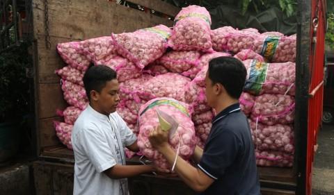 Kemendag Distribusi Bawang Putih Murah untuk Pedagang Bandung