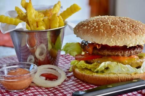 Makanan Cepat Saji Lebih Mematikan Ketimbang Rokok