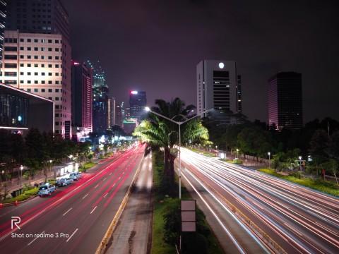 Indah Banget! 5 Foto Suasana Malam Jakarta dari realme 3 Pro