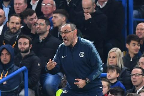 Sarri Berharap Hazard Bertahan di Chelsea