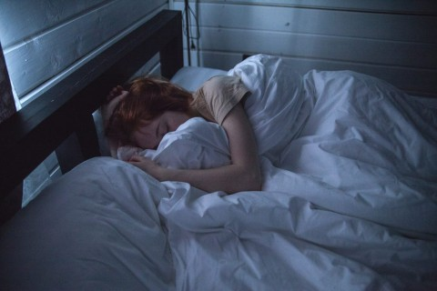 Posisi Tidur Paling Sehat Menurut Para Ahli
