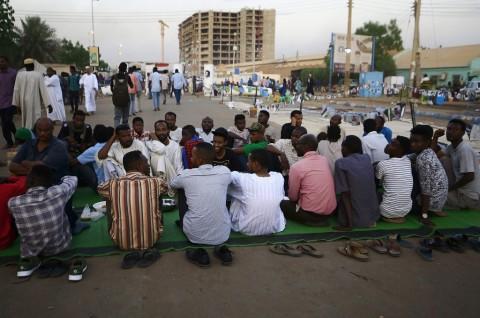 Lima Orang Tewas Ditembak dalam Aksi Protes di Sudan