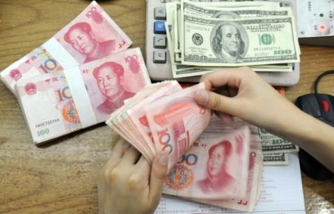 Yuan Tiongkok Terhantam Dolar AS