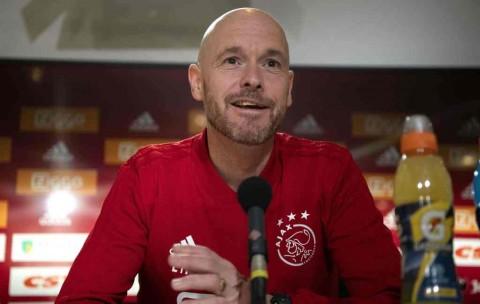 Pelatih Ten Hag Pastikan Bertahan di Ajax