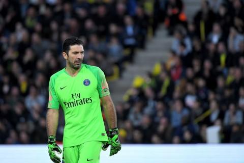 Buffon Diskusikan Kontrak Baru dengan PSG