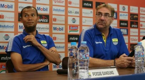 Menanti Tiga Poin Perdana Persib Bandung