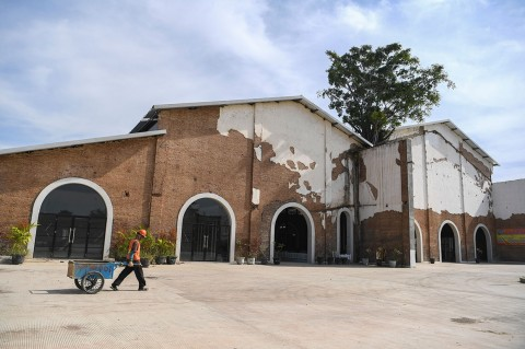 Melihat Rest Area Bekas Pabrik Gula di Brebes