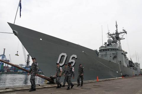 Dua Kapal Perang Australia Kunjungi Indonesia