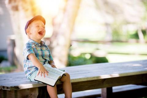 Tips Membesarkan Anak yang Bahagia