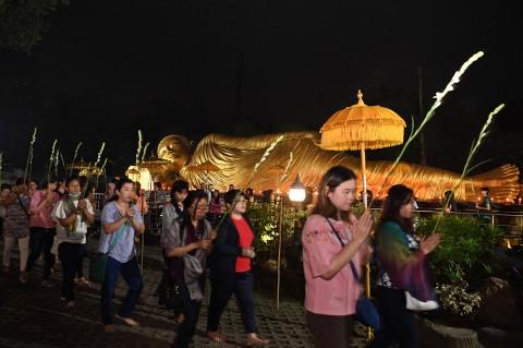 Peringatan Hari Raya Waisak di Trowulan