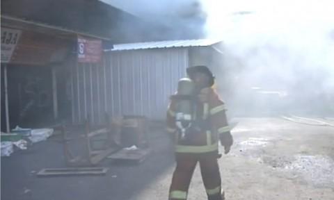 Pasar Kosambi Bandung Terbakar