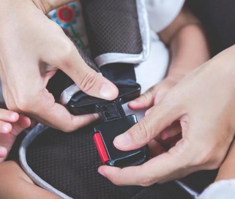 Delapan Kesalahan saat Pasang Kursi Pengaman Anak di Mobil