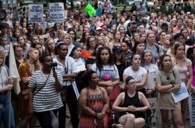 Ratusan Warga Alabama Protes UU Aborsi
