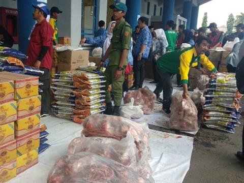 8.000 Paket Sembako Murah Disebar di Bandung