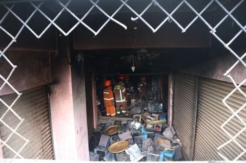 Pasar Kosambi Tak Dilengkapi Pemadam Api