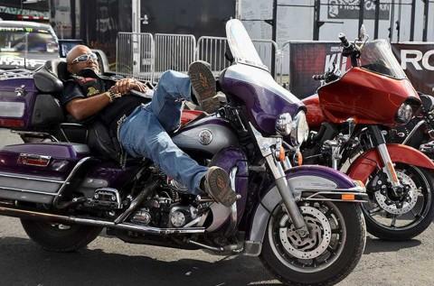 Rutinitas Harian Bikers Tetap Jalan? Perhatikan Waktu Istirahat