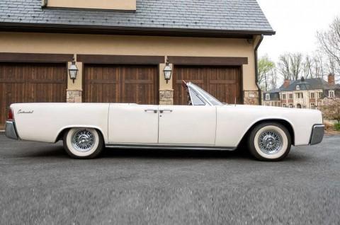 Intip Lincoln Continental Convertible 1963 Klasik