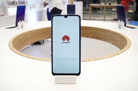 Masalah Huawei Bikin Saham Mitra Anjlok