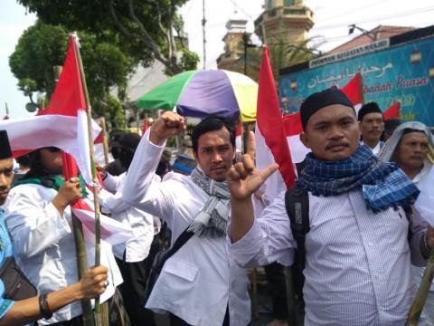 Massa Berkumpul di Masjid Jami Tanah Abang
