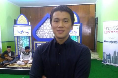 Reino Barrack dan Syahrini Kurangi Aktivitas Selama Ramadan