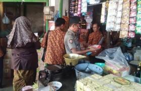 Makanan Kedaluwarsa Beredar di Pasar Anom Sumenep
