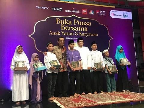 Yayasan Muslim Sinar Mas Sumbangkan Ribuan Alquran