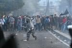 Polisi Bantah Pakai Peluru Tajam Halau Massa Aksi