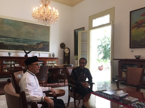 President Jokowi Receives MPR Speaker at Palace