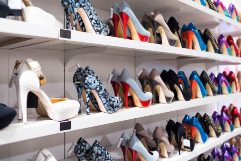 Mengoleksi 10 Ribu Sepatu, Bagaimana Celine Dion Menyimpannya?