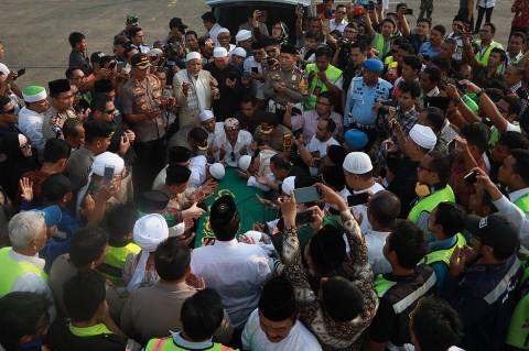 Jenazah Ustaz Arifin Ilham Tiba di Jakarta