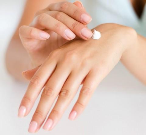Sunscreen Mengandung Bahan Kimia Tingkat Tinggi?