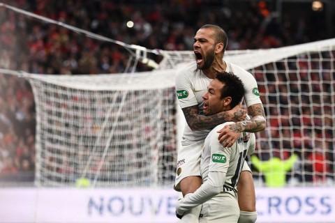 Yakin Neymar Bertahan di PSG, Alves Pertaruhkan Menara Eiffel