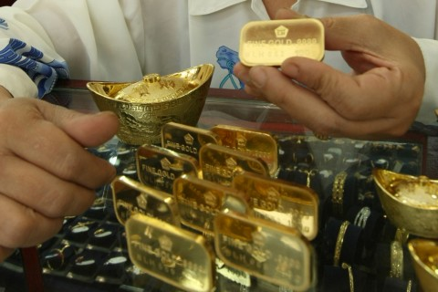 Pesona Emas Antam Menguat ke Rp673 Ribu/Gram