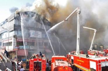 Kebakaran Gedung Bimbel di India Tewaskan 20 Orang