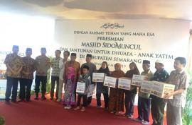 Sido Muncul Resmikan Masjid dan Santuni 1.200 Yatim-Duafa