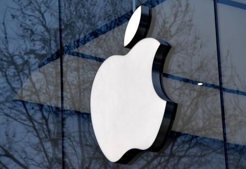 Jika Tiongkok Blokir iPhone, Laba Apple Bisa Turun 30%