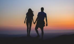 Perbedaan Hubungan yang Dilandasi Cinta dengan Obsesi