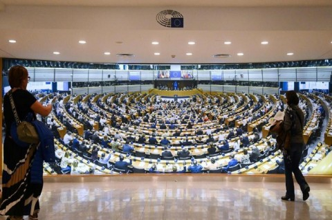 Warga Eropa Gunakan Hak Pilih dalam Pemilu Parlemen UE