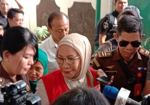 Ratna Sarumpaet Dituntut Enam Tahun Penjara