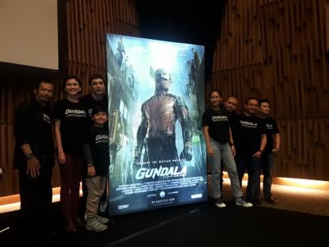 Rio Dewanto dan Ario Bayu Muncul di Poster Terbaru Film Gundala