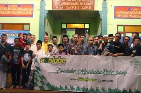 Evalube Gandeng Komunitas Motor Tebar Kebaikan di Bulan Ramadan