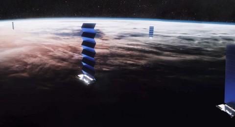 Satelit Starlink Bisa Jadi Masalah untuk Ahli Astronomi