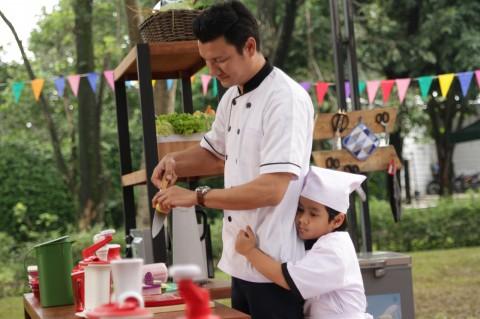 Christian Sugiono Belajar Banyak Hal dari Pemeran Anak Film Koki Koki Cilik 2