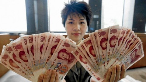 Yuan Tiongkok Tertekan Keperkasaan Dolar AS