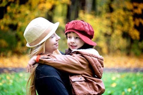 Empat Cara Melatih Kejujuran Anak Anda