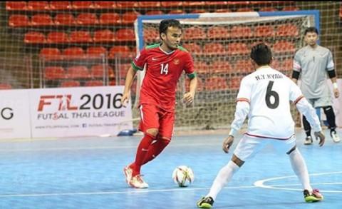 Dua Pemain Timnas Futsal Jajal Sepatu Futuristik